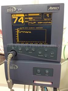 嘔吐反射の強い患者さんにインプラント治療を行った症例02